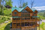 Gatlinburg group vacation home with 5 bedrooms sleeps 16 in the Smoky Mountains