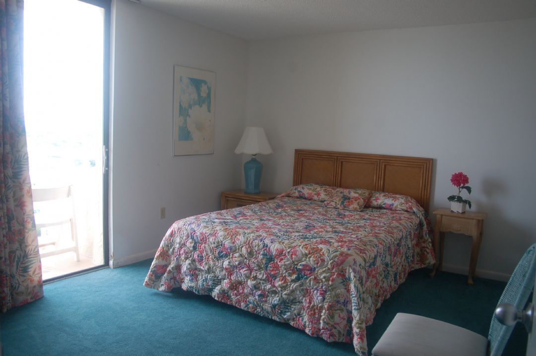 Shoreham Towers Ii 9 E North Myrtle Beach 3 Bedrooms 2 Full Bathrooms Place To Stay On
