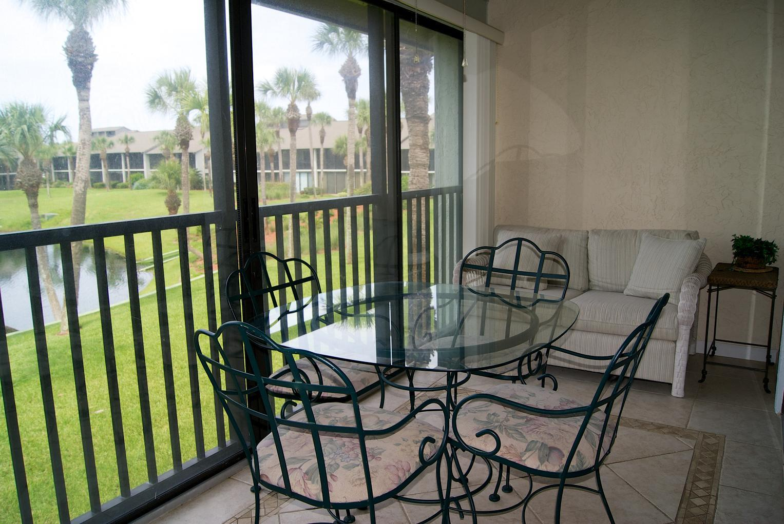 27 village del lago circle g enjoy the comforts - Enclosed beds for adults ...