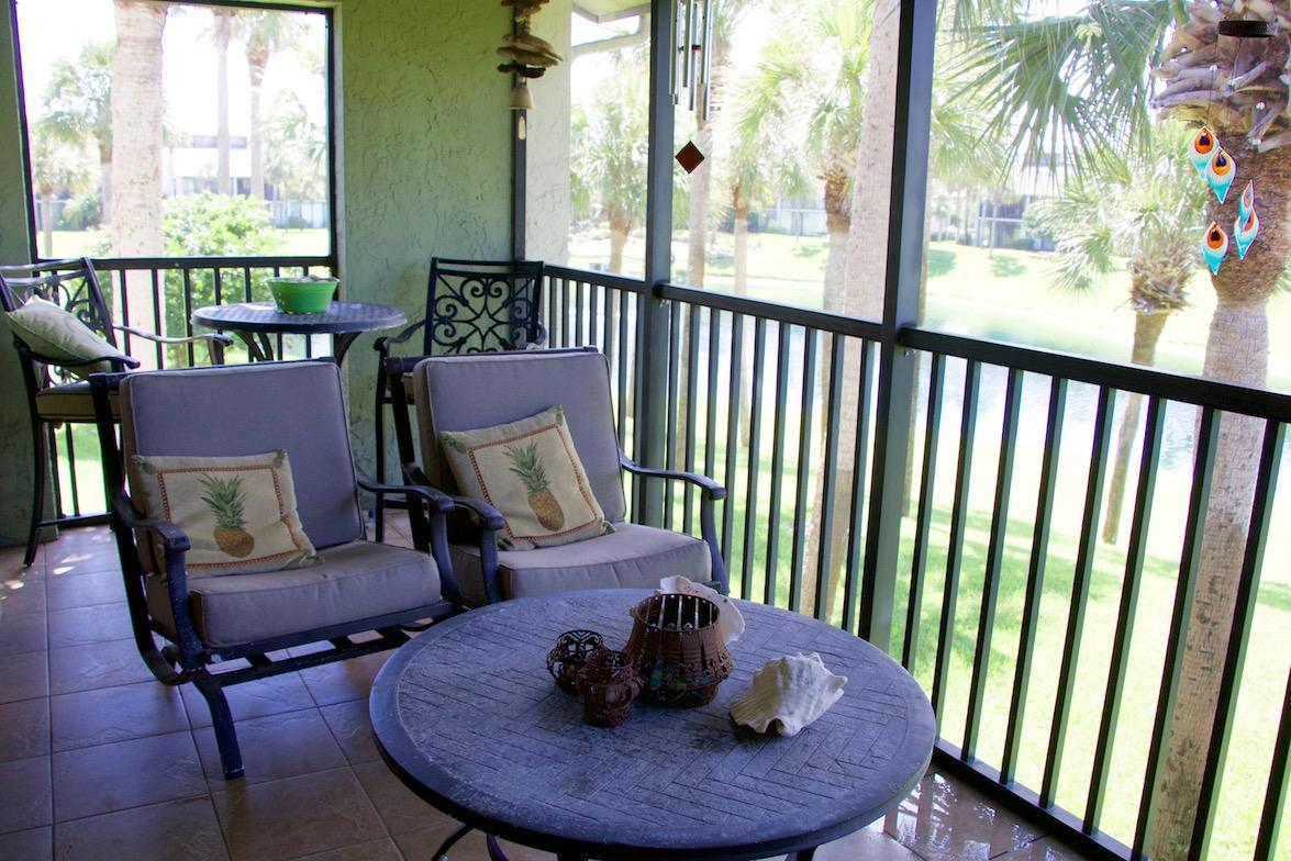 Screened balcony