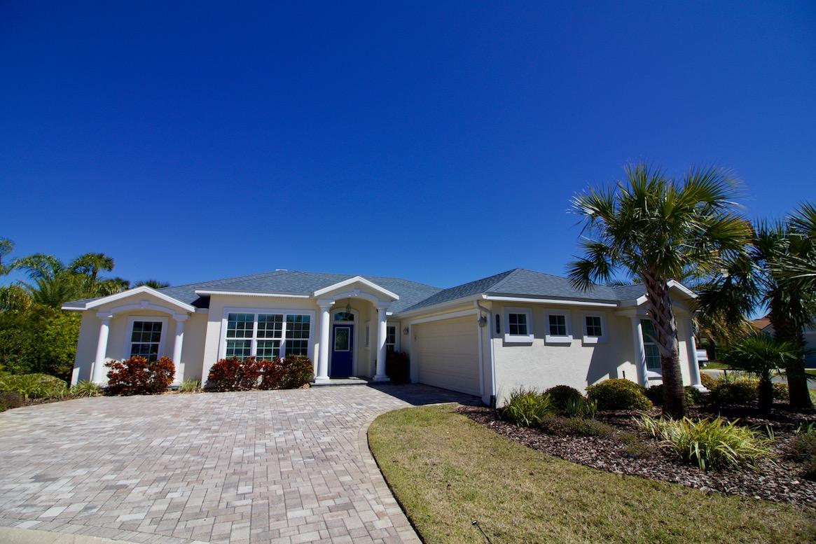 St Augustine Beach 4 bedroom vacation home rental with community pool and hot tub
