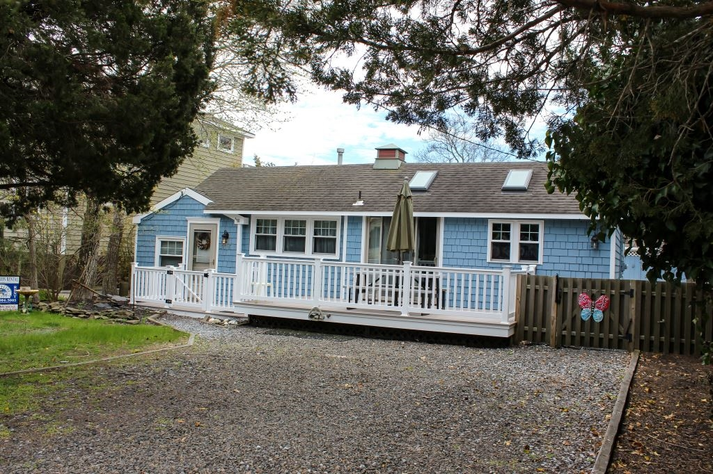 Sprawling Bright & Airy Rancher with Central Air! 1 Block to Beach!