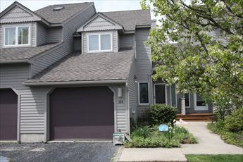 3BR, 3.5B Meadow View Townhome. C/A! Community Pool!