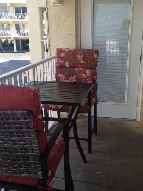 Harbor House B17 - Balcony table and chairs
