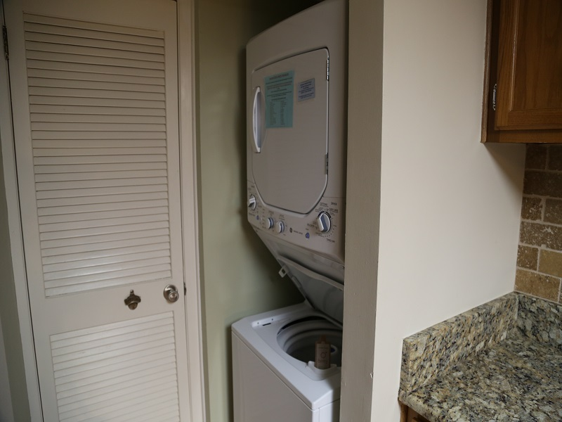 Castaways 2C - Washer and dryer in unit