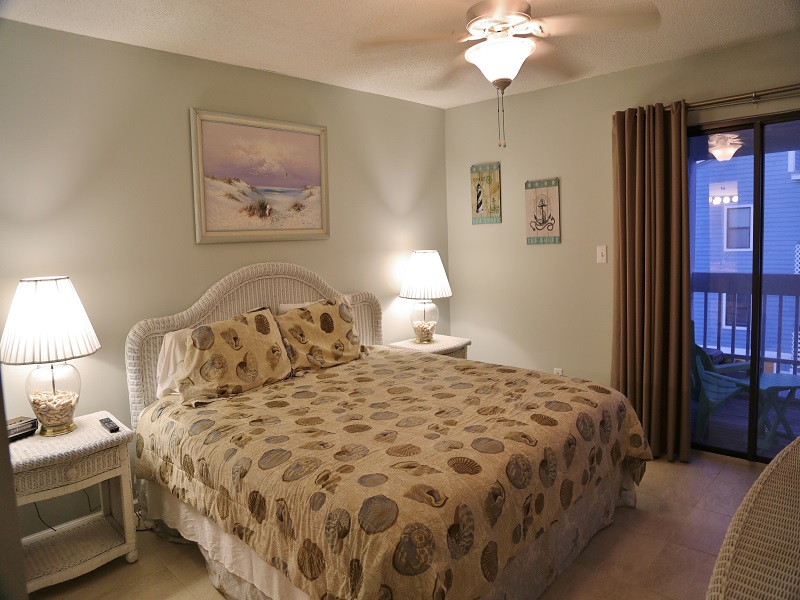 Sea Oats G203 - Master bedroom with King