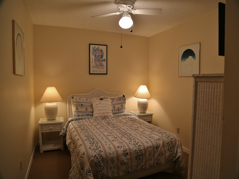 Ocean Reef 802 - Bedroom 2 w/Queen