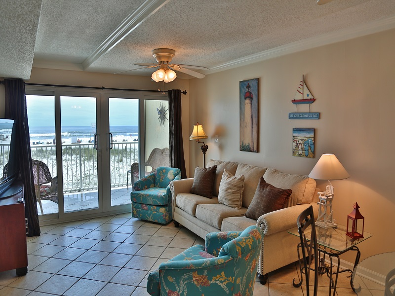 Castaways 1B - Living room with gorgeous view
