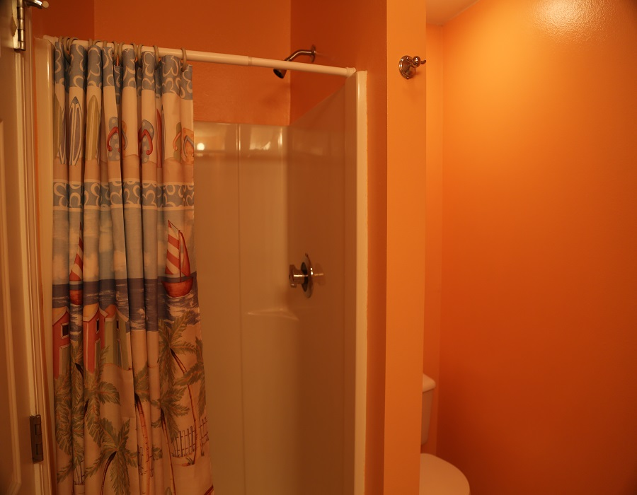 Bath 2 with stand up shower