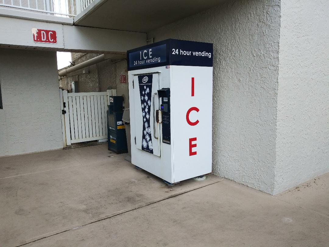 Buy ice bags on-site!  Great for loading up the cooler.