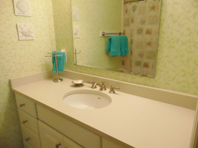 Master Bathroom with Tub/Shower/Toilet