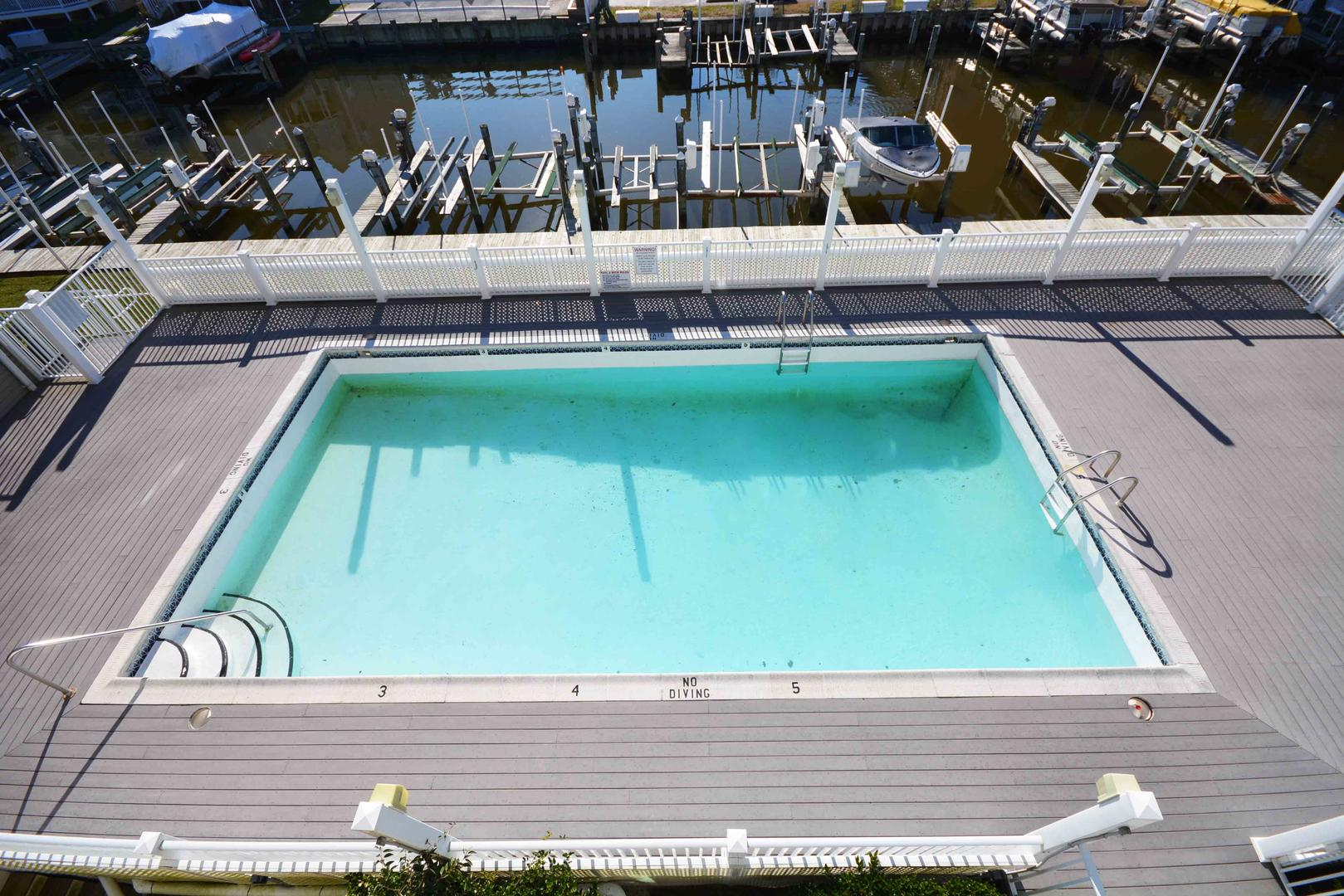 Ocean City Maryland vacation rental 2 bedroom and pool with boat dock with lift
