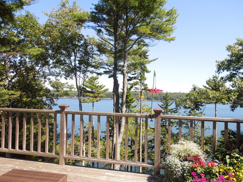 4 bedroom vacation home with water views in Westport Island Maine