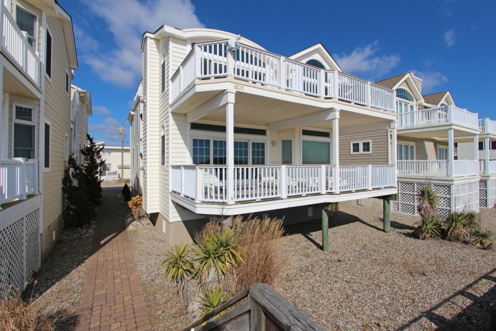 1804 Boardwalk