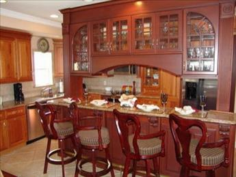 Spetacular counter dining area