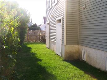 side yard and outside showers