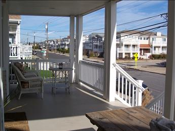 front porch view to the north