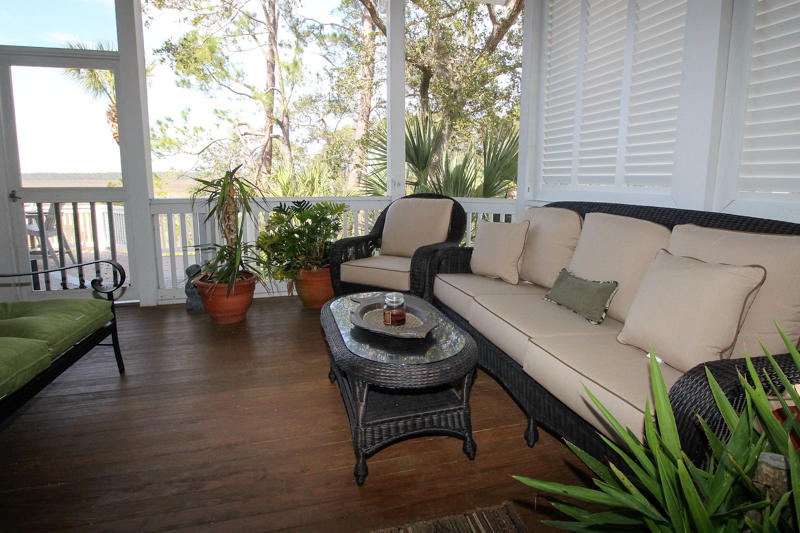 Screened Porch off Dining Area