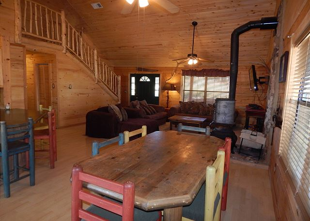 Hunters blind 3 bedroom vacation cabin rental lincoln for Cabin rentals near ski apache