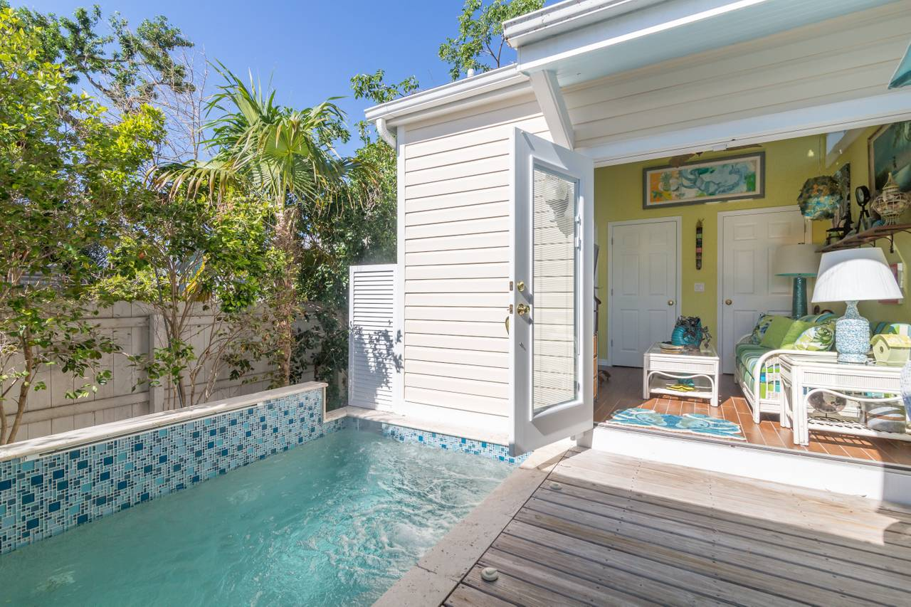 Concha Cabana: 2 Bedroom Vacation Cottage Rental Key West ...