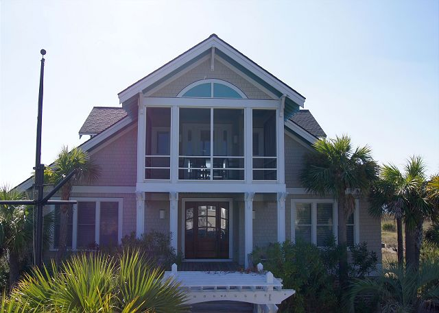 Large Oceanfront vacation home in Bald Head Island that sleeps 18