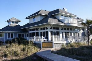 Ocean view house rental in Bald Head Island 5 bedrooms and steps to the beach