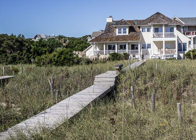 Oceanfront vacation home in Bald Head Island with hot tub and 4 bedrooms