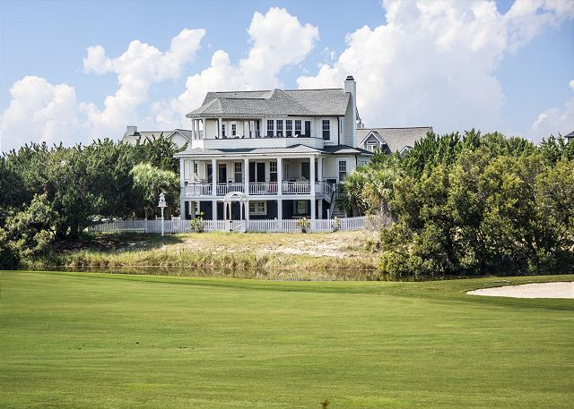 Large Ocean View Vacation Home on the Golf Course with 5 bedrooms that sleeps 12