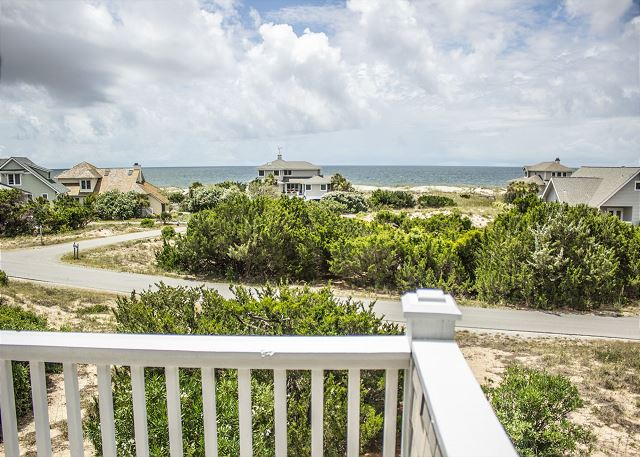 Bald Head Island 4 bedroom vacation rental with Ocean Views and short walk to the beach