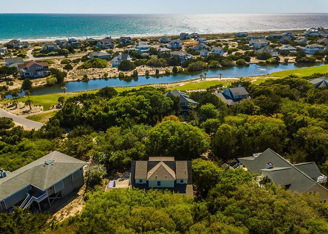 Bald Head Island Home Rental close to beach and golf course with 4 bedrooms that sleeps 11