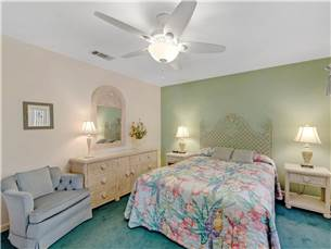Spacious Master Bedroom with Queen Bed on 2nd Floor