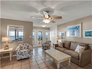 Living Area on 2nd Floor with Sleeper Sofa and Gulf Views