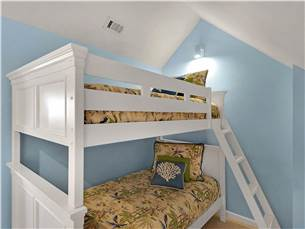 Extra Bunk Room in Loft!