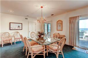 Dining Room located on 1st flor