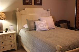 Middle Bedroom