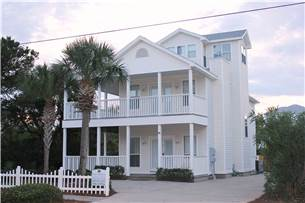 Destin 3 bedroom vacation home with pool