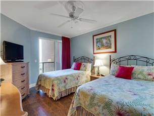 Guest Bedroom with 2 Double Beds and Flat Screen TV