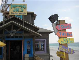 Great Local Food at Pompano Joe's Right on the Beach