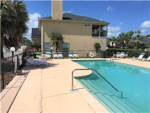 Semi private pool for 4 Port of Call homes