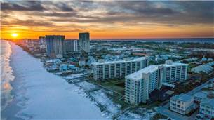 Welcome to Mainsail a great Destin vacation rental property