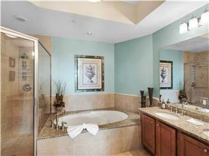 Large master bath with walk in shower and jacuzzi tub