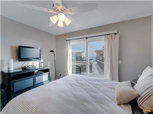 Guest Bedroom with View of Gulf and Flat Screen TV