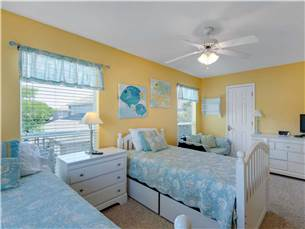2nd Floor Bedroom with 2 Twin Beds and Flat Screen TV