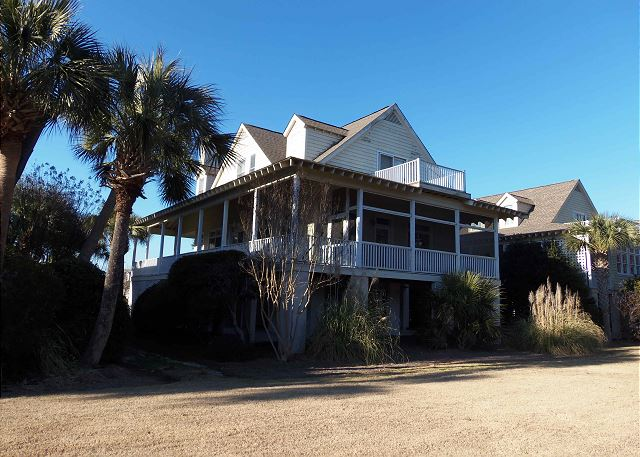 Litchfield by the Sea 4 bedroom vacation home with pool and close to the beach in Pawleys Island, SC