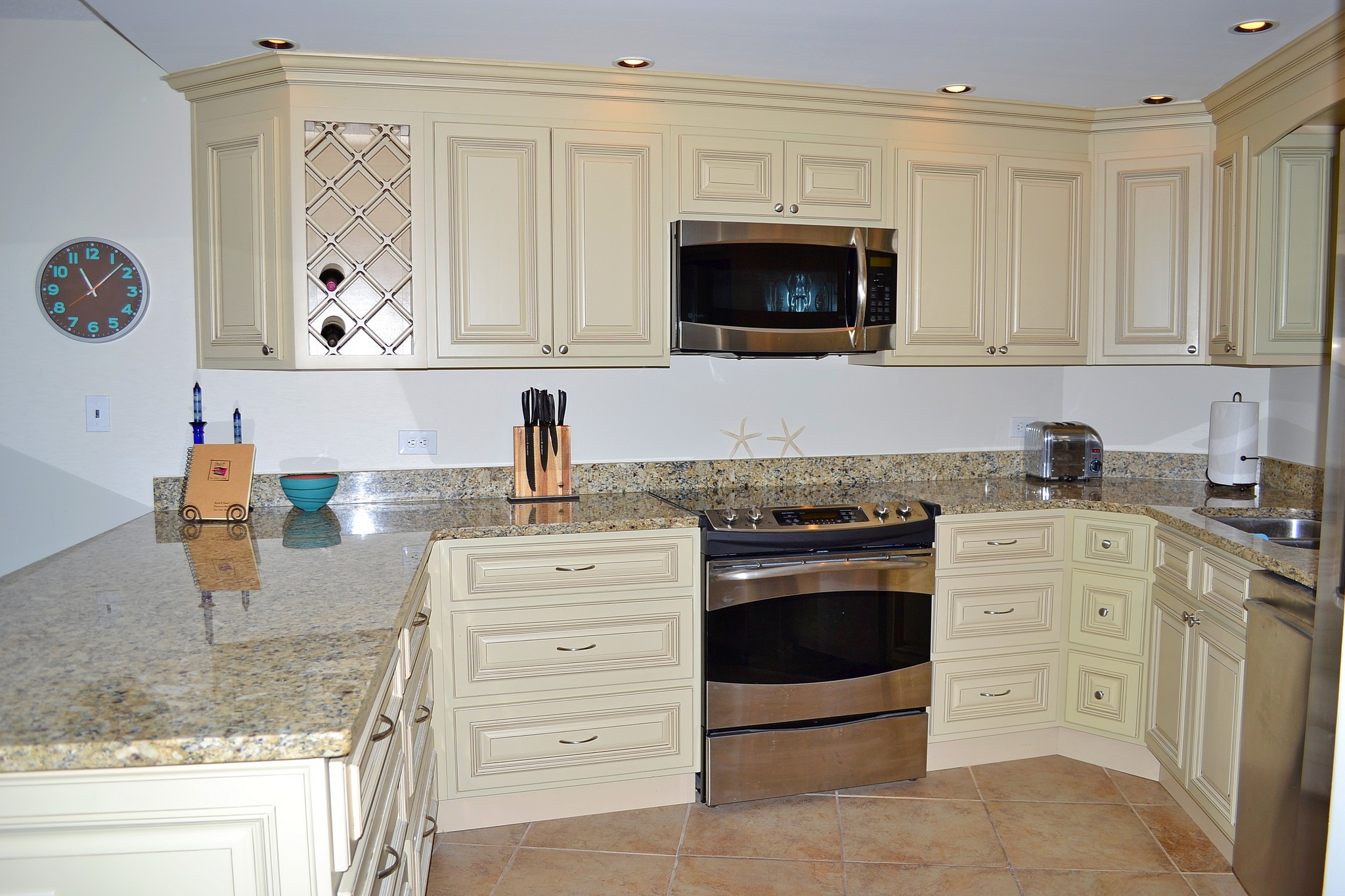 BEACHSIDE 1 4122: Place To Stay On Vacation 2 Bedrooms 2 Full ...