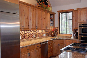 Gourmet kitchen with 6 burner stove.