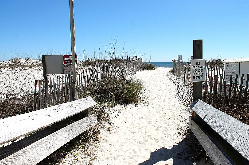 Pathway to the BEACH!