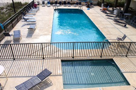 Outdoor Pool and Children's Pool