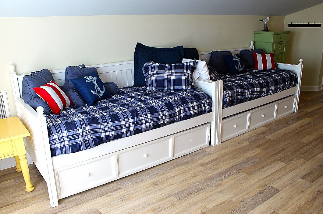 3rd floor beds-2 twin beds w/ trundles underneath