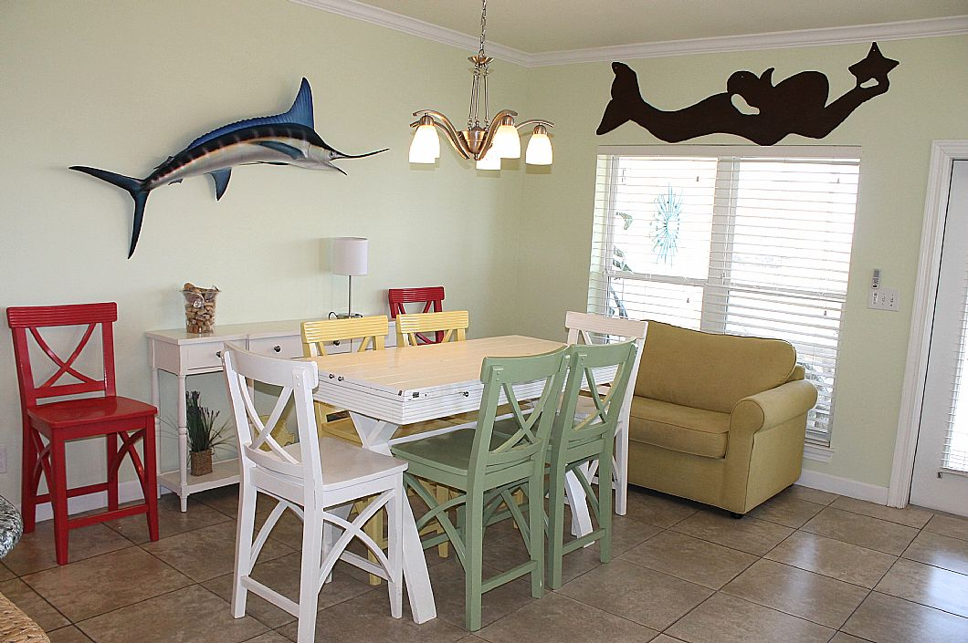 Dining table w/ lots of seating